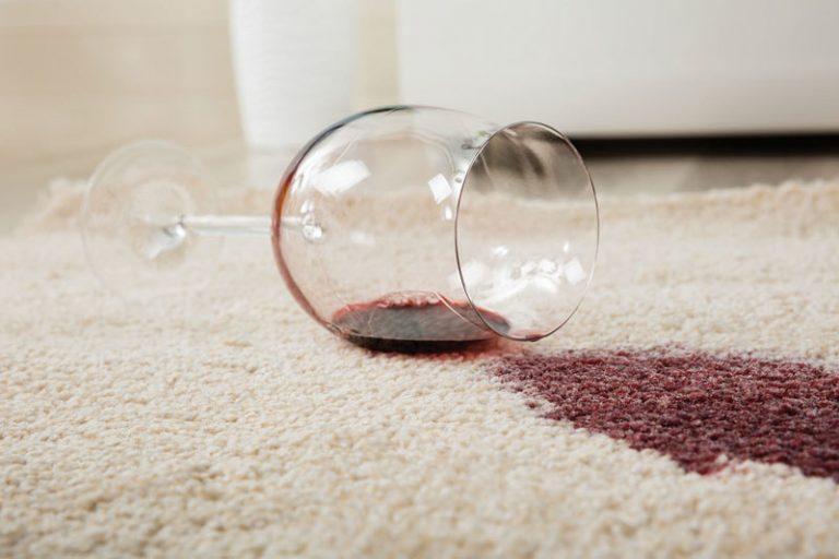 Faire disparaitre les taches de votre tapis